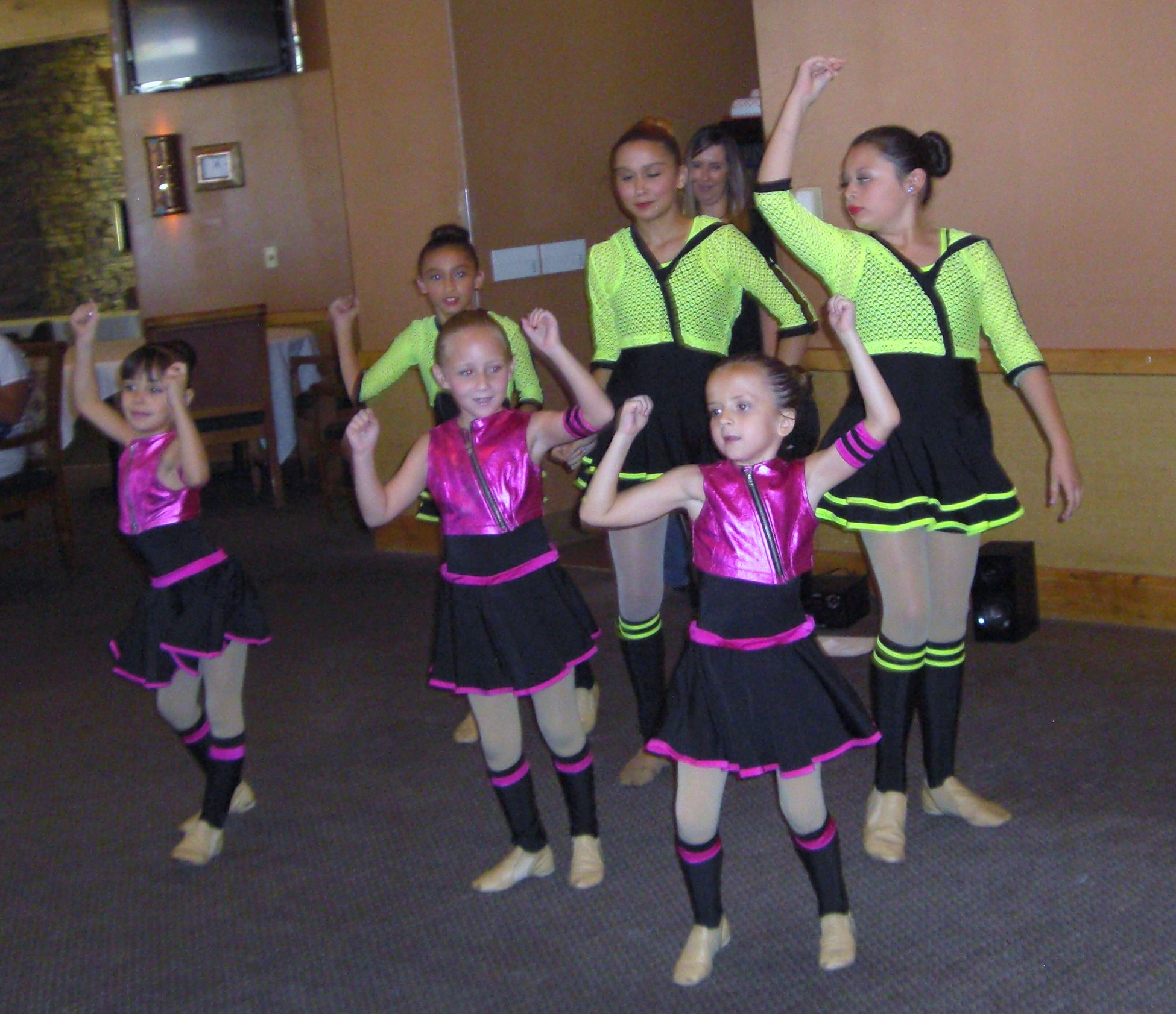 Desert Dames treated to personal show