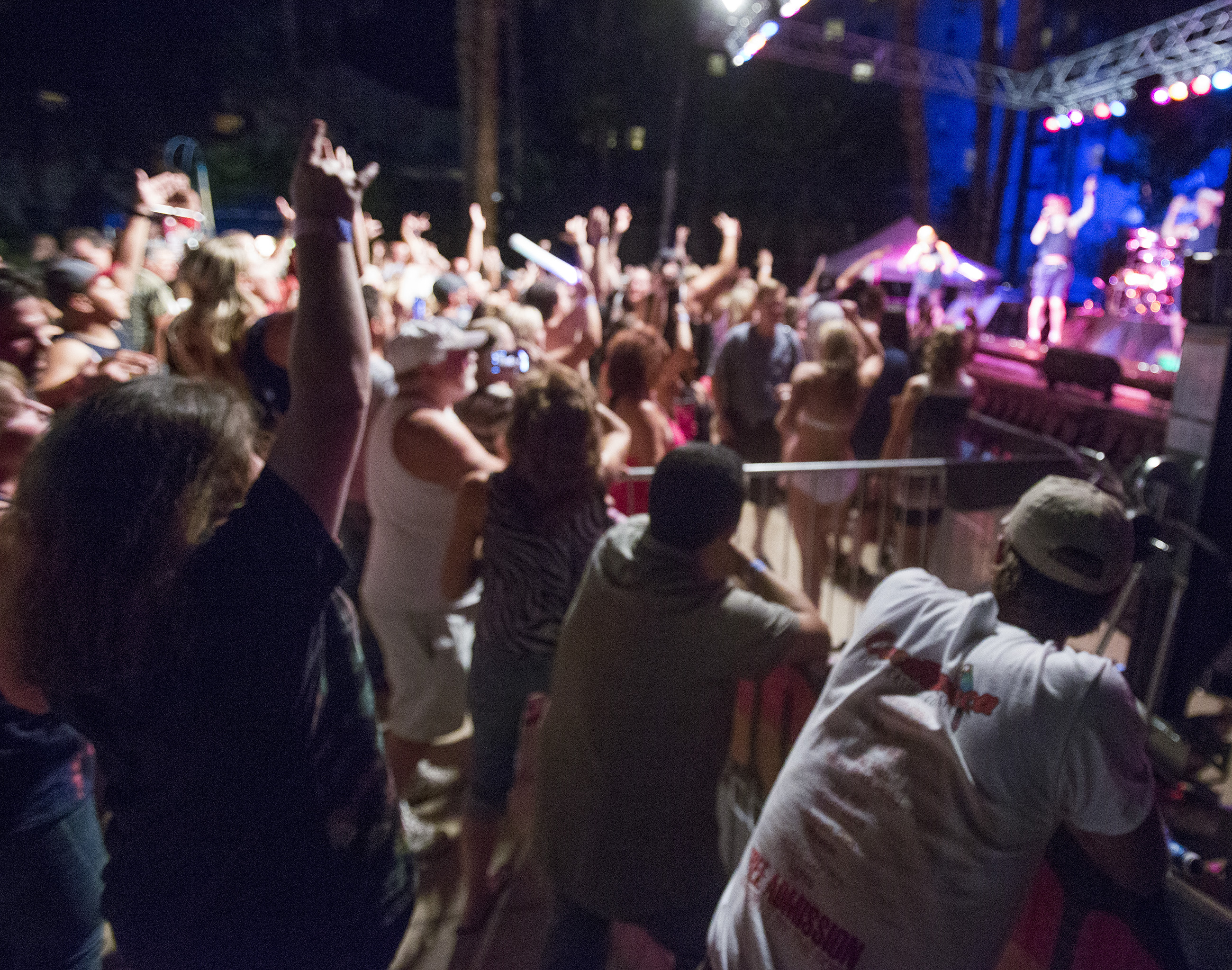 CasaPoolooza Free Concert Series Back to Rock 2016 Season