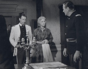 Publicity still of William Holden, John Wayne and Constance Towers in The Horse Soldiers