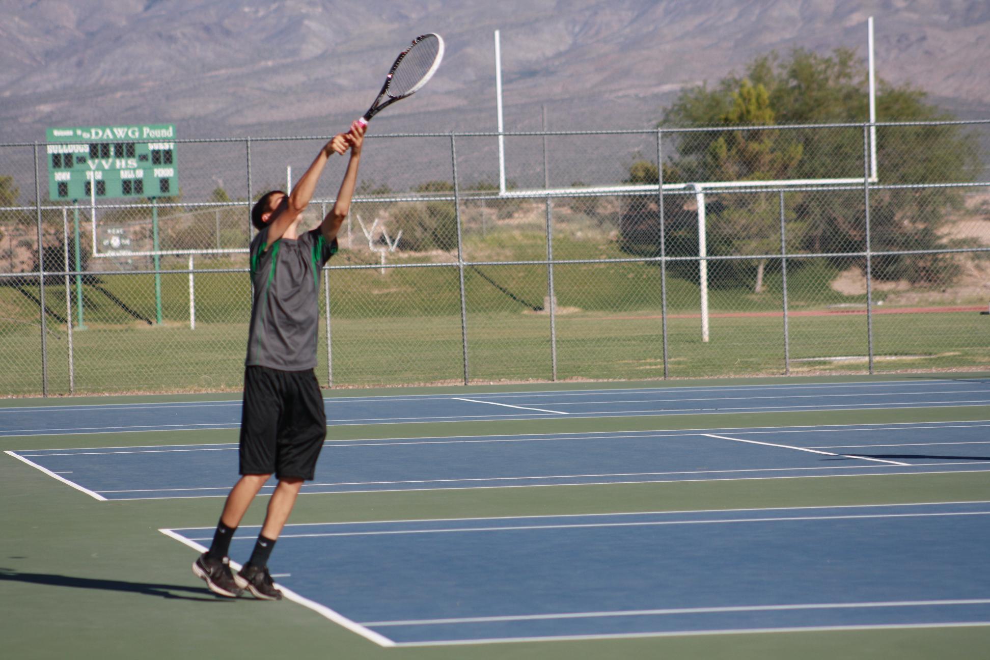 Bulldogs boys tennis defeats Roadrunners 12-6; Girls lose