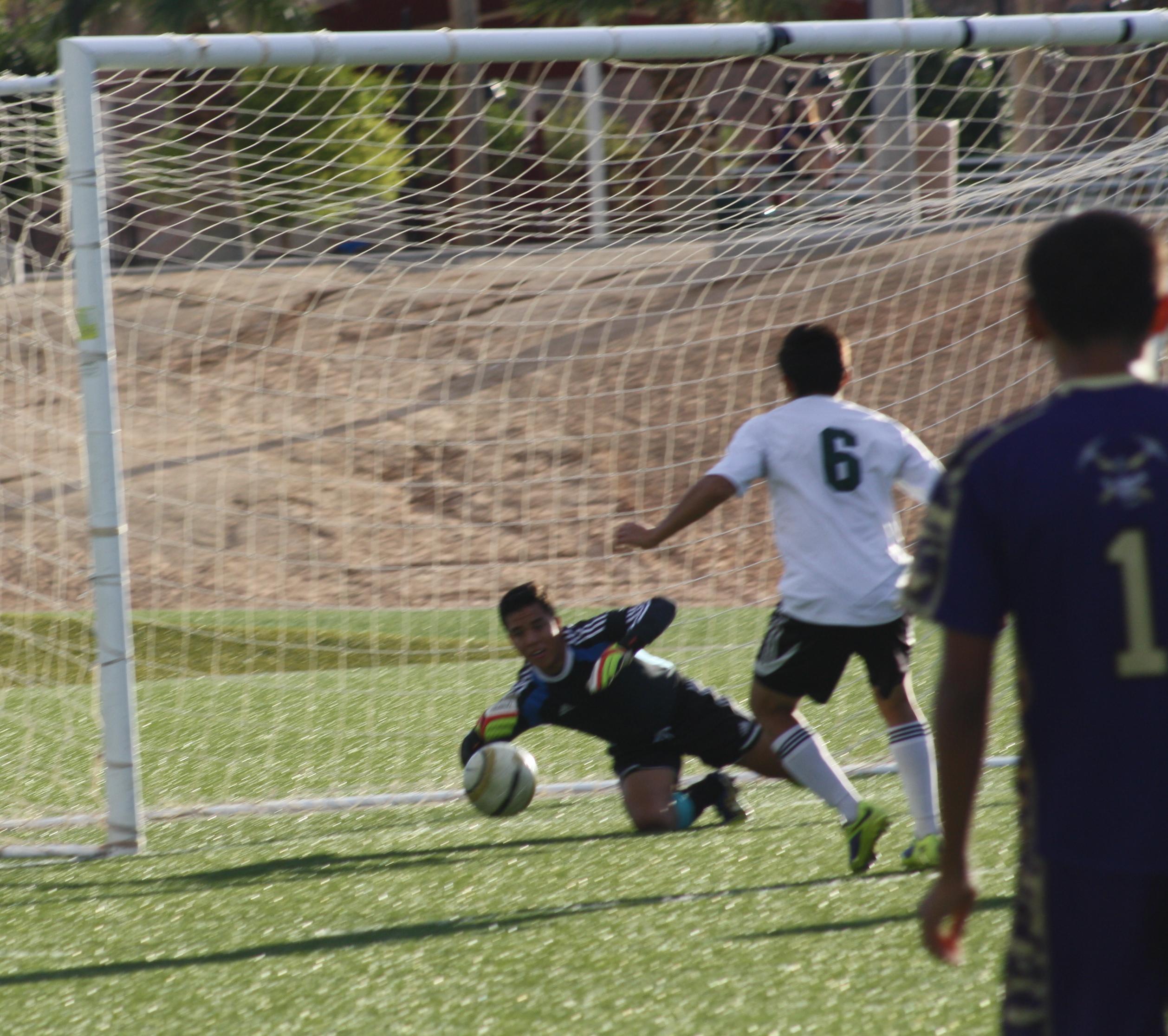 Miners shut out Bulldog soccer teams 4-0, 2-0