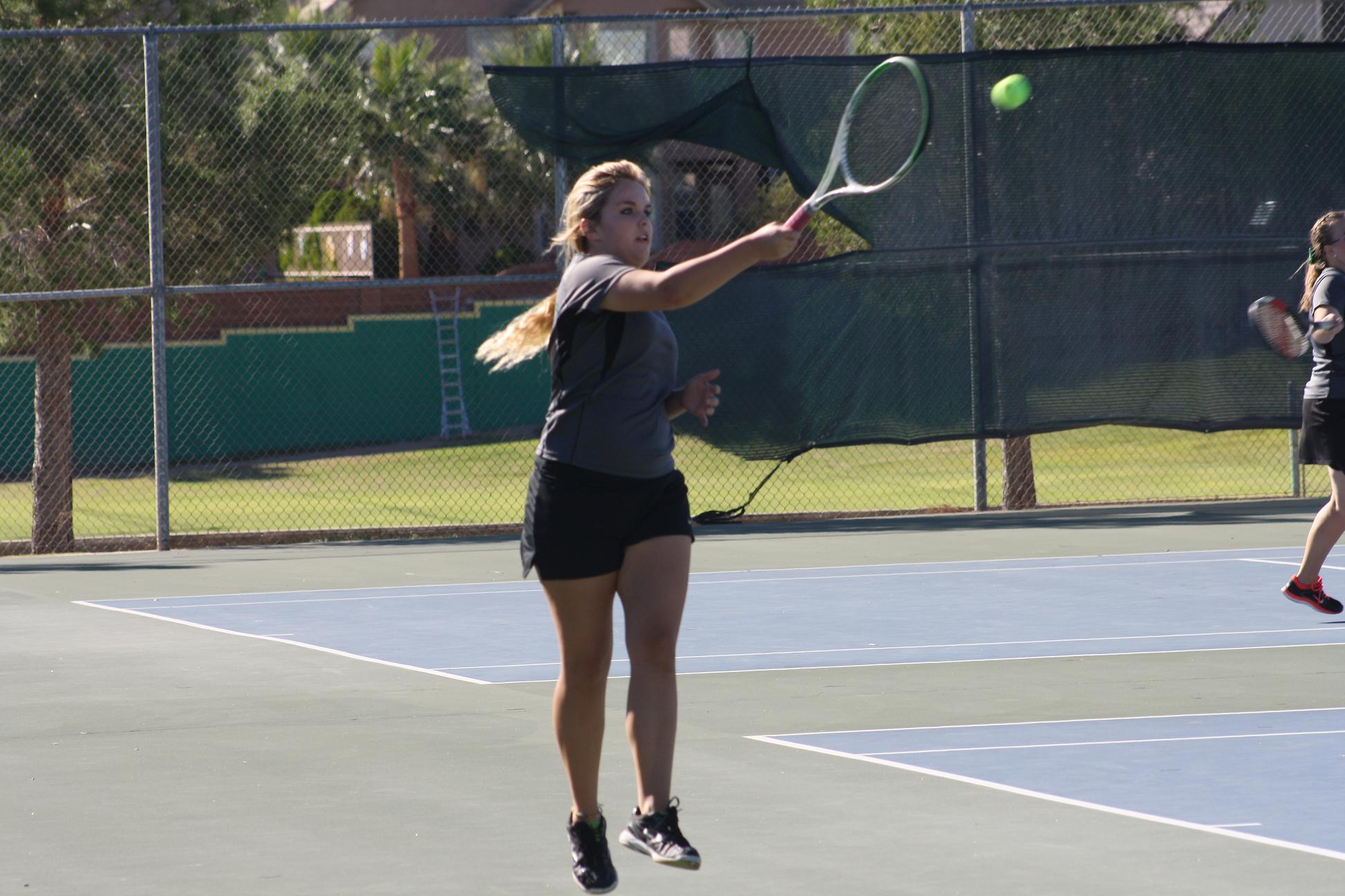 Bulldog tennis squad lose to Pirates 11-7