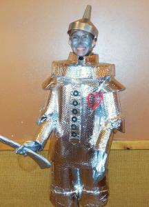 Pat Fizer as Tin Man won the Desert Dames costume contest for a second time.
