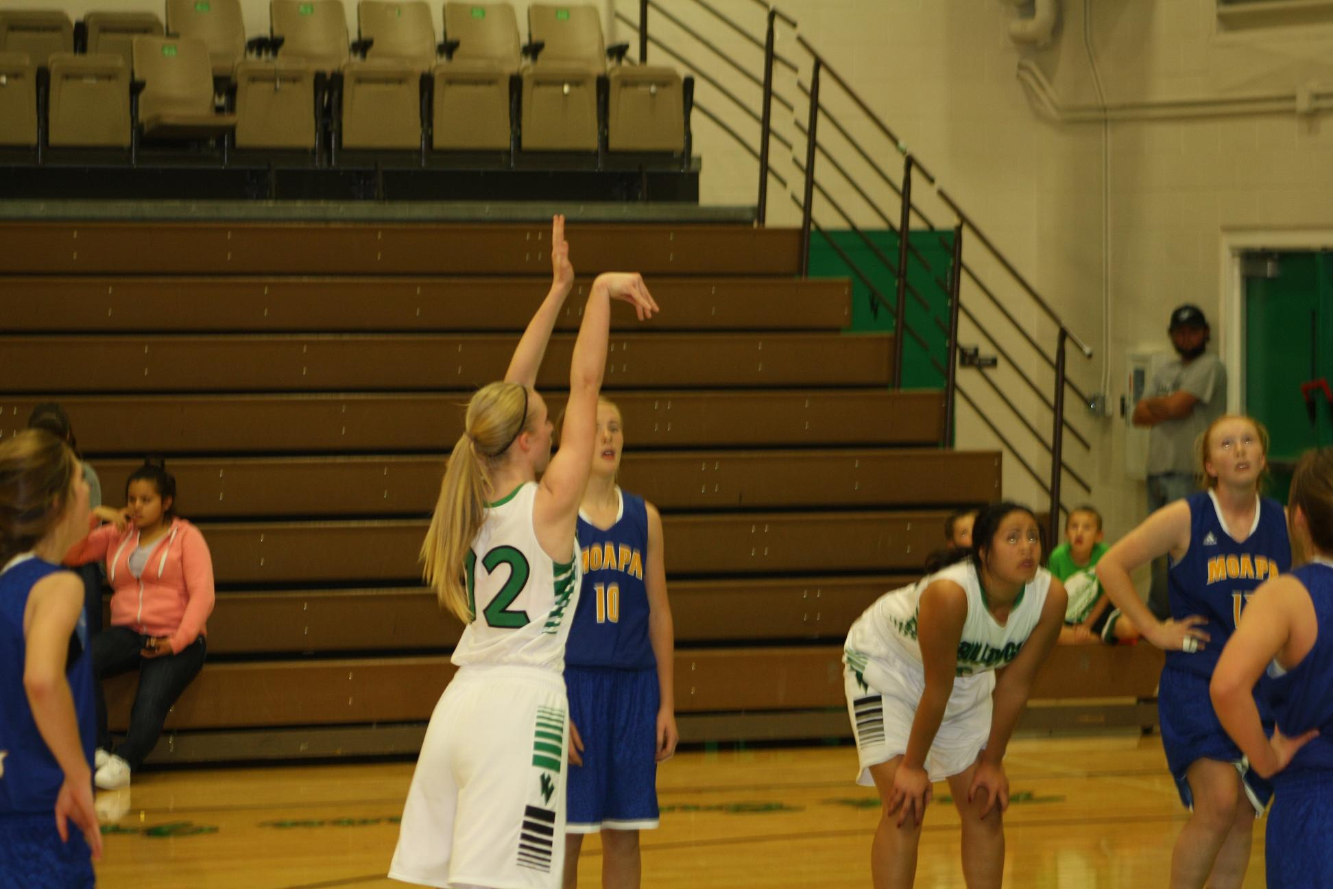 Lady Hoopsters second half rally defeats Pirates 50-44