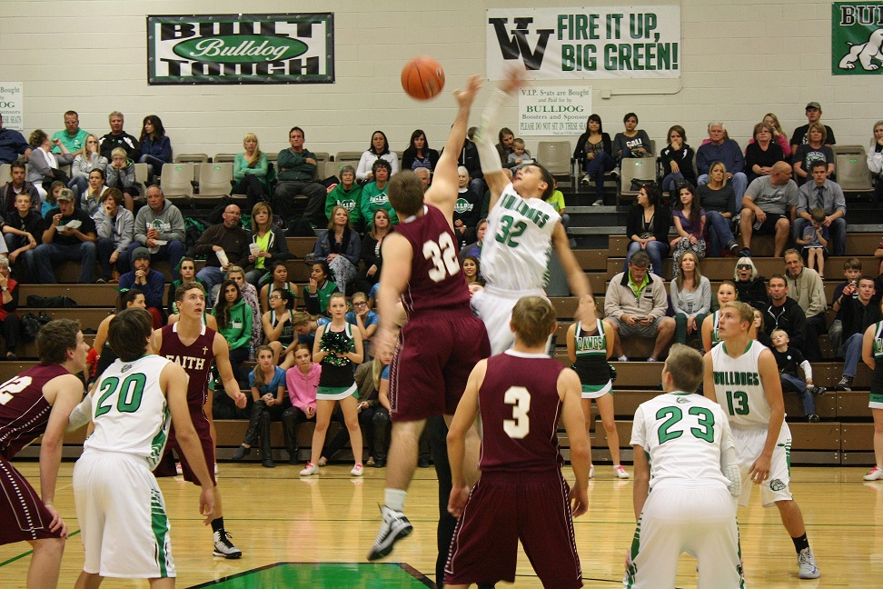 Saunders leads Bulldogs to overtime win 61-60