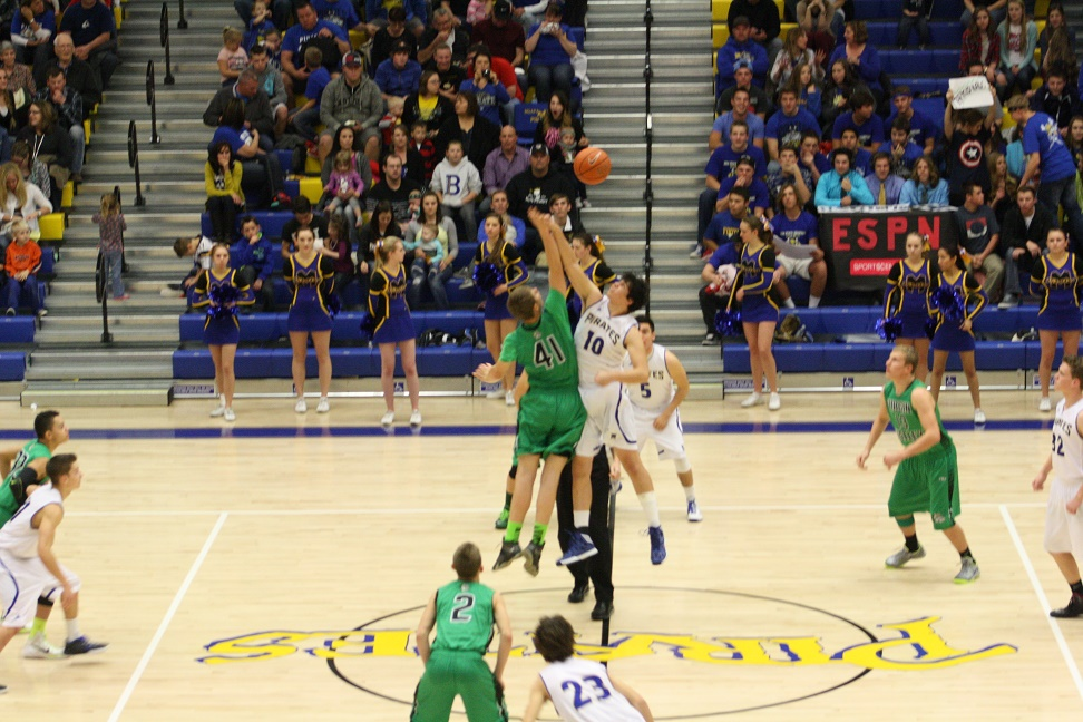 Bulldogs scuttle Pirates 45-36 behind Burnsides' 19 points