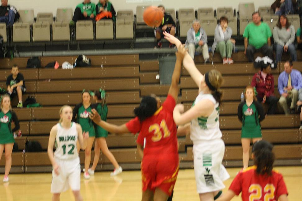 Lady Bulldogs roll over Roadrunners 49-25