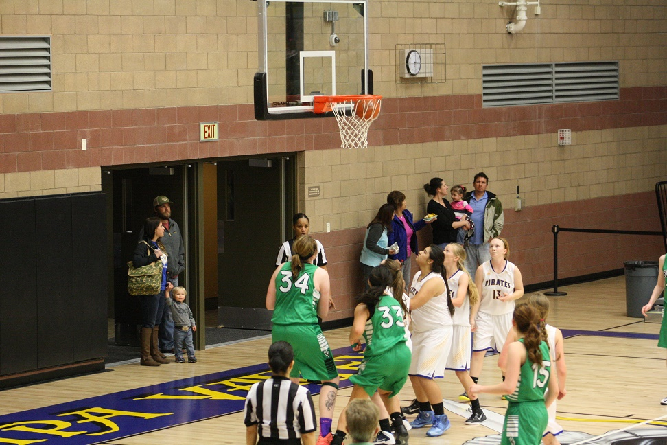 Metzger's huge game leads Lady Bulldogs over Pirates 44-38
