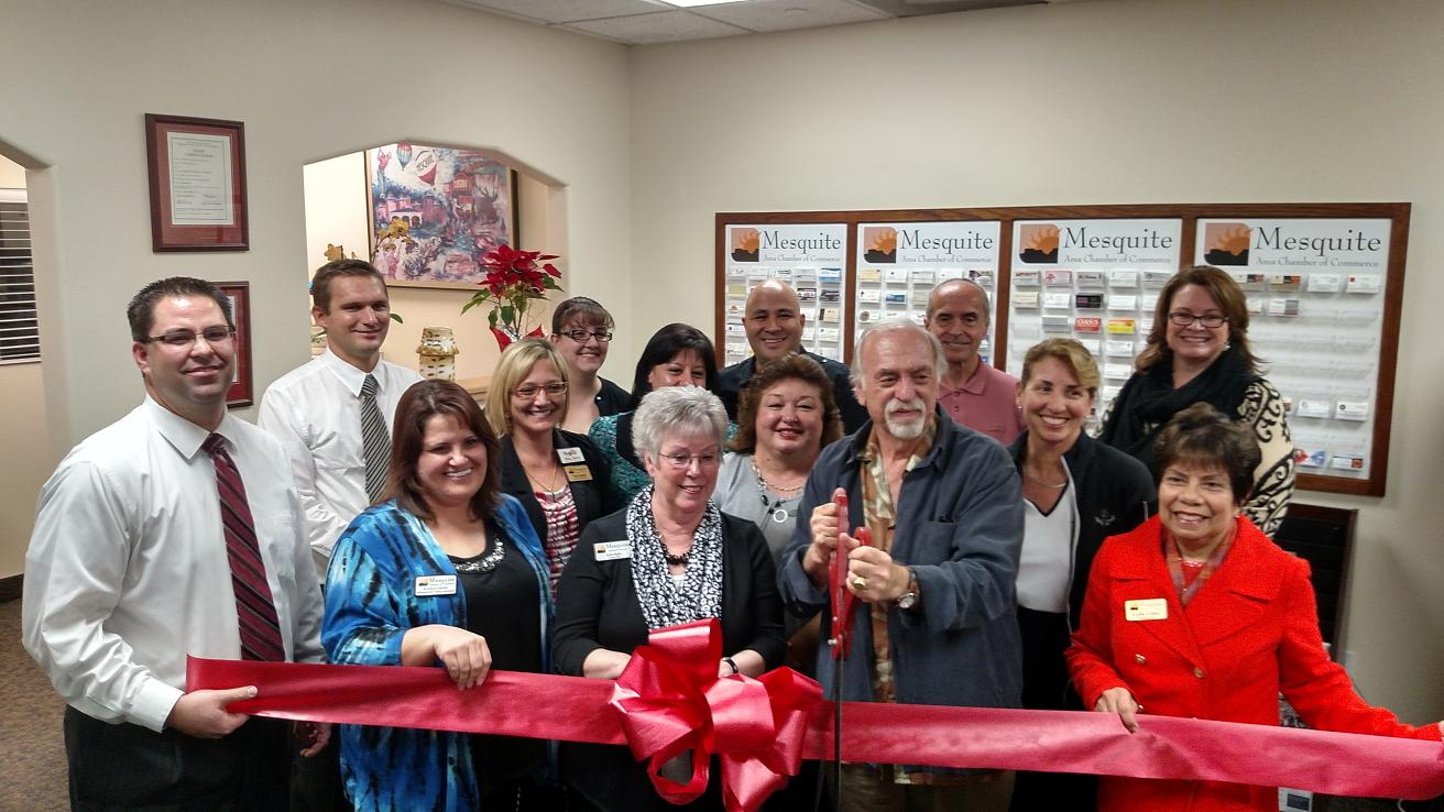 Chamber celebrates with ribbon cutting