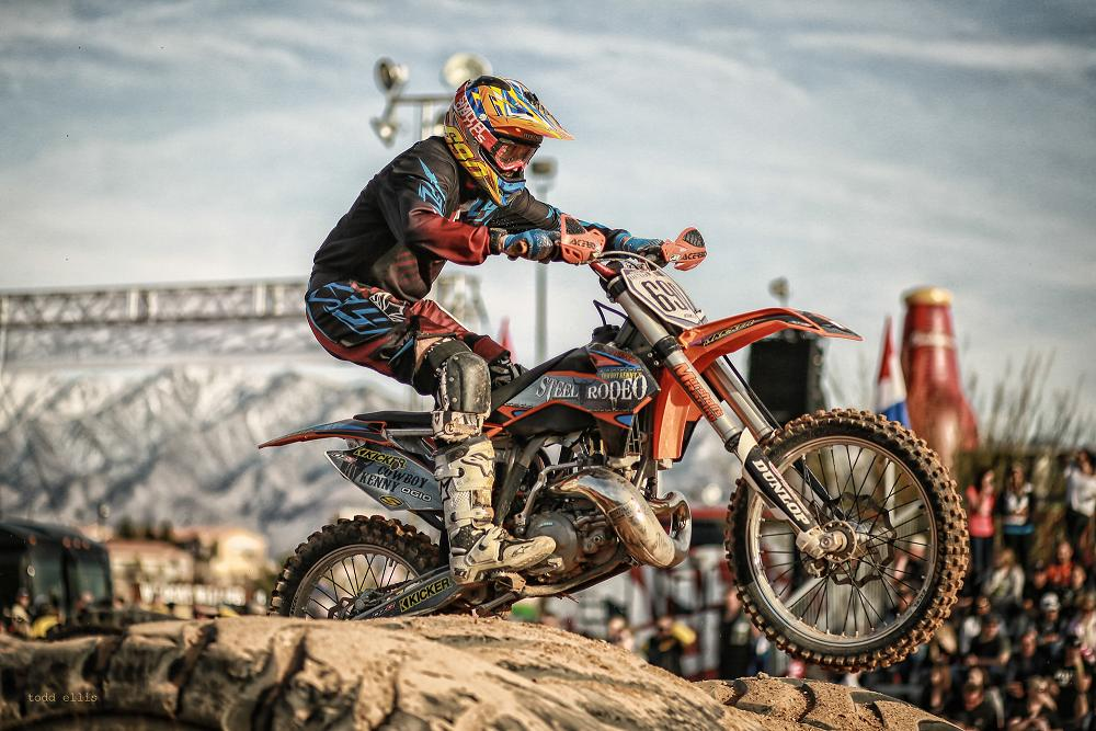 "Three-Peat in Sight for ""Cowboy"" Kenny Bartram at Mesquite Off-Road Weekend"
