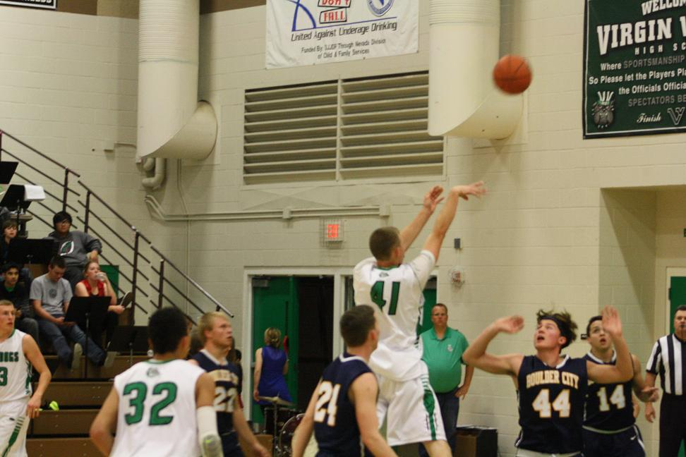 Late surge lifts Bulldogs over Eagles 53-35