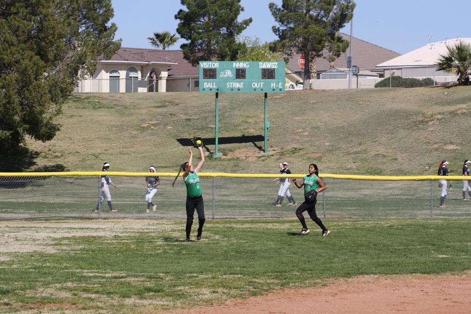 Bulldog ball clubs lose big at Cheyenne