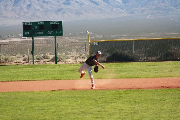 Bulldog baseball team defeats Miners 17-7 Softball team loses 7-4