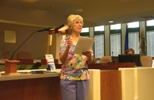 Darlene Reese welcomes audience to Founder' Forum. Photo by Burton Weast.