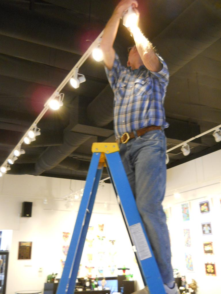VVAA Upgrades Gallery Lighting