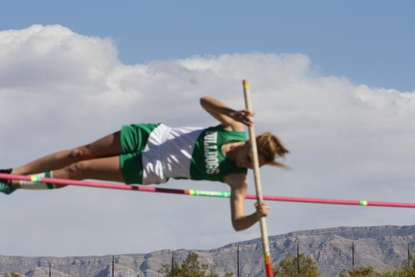 Bulldogs send three to 1-A state track meet
