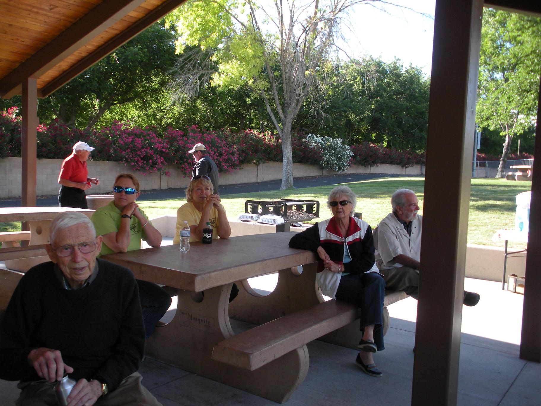 Dames enjoy the last bit of cool weather in Mesquite
