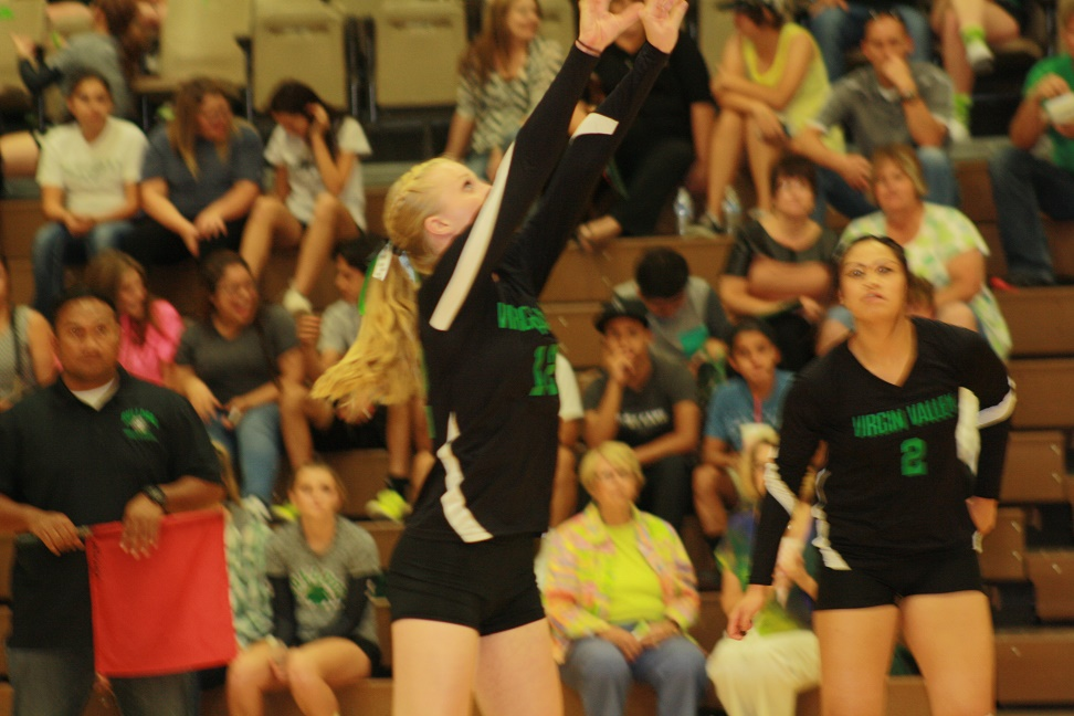 Bulldog volleyball girls pull out marathon 3-2 win over Pirates