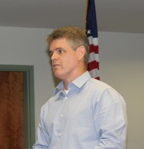 Assemblyman Chris Edwards (R-AD19) addresses a town hall meeting in Mesquite, Sep. 16. Edwards announced he is running for re-election in 2016. Photo by Barbara Ellestad.