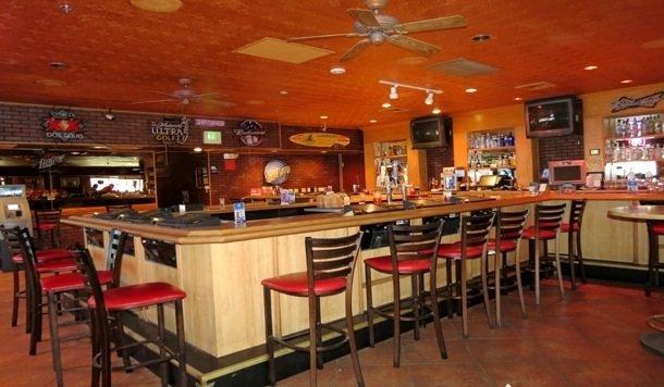 Featured Restaurant September: Playoff's Pub & Pizzaria