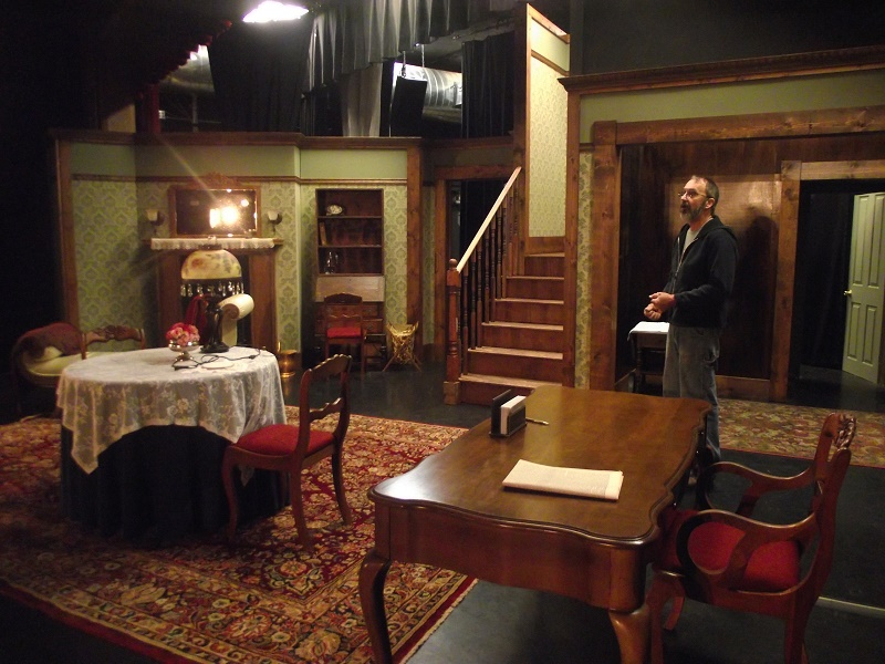 Angel Street Opens Virgin Valley Theatre Group's 2015-16 Season