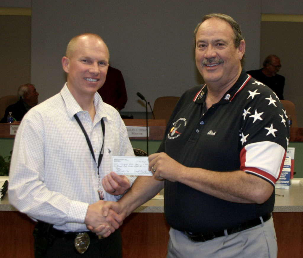 Elks Lodge #2811 Donates $1,800 to MPD Shop with a Cop program
