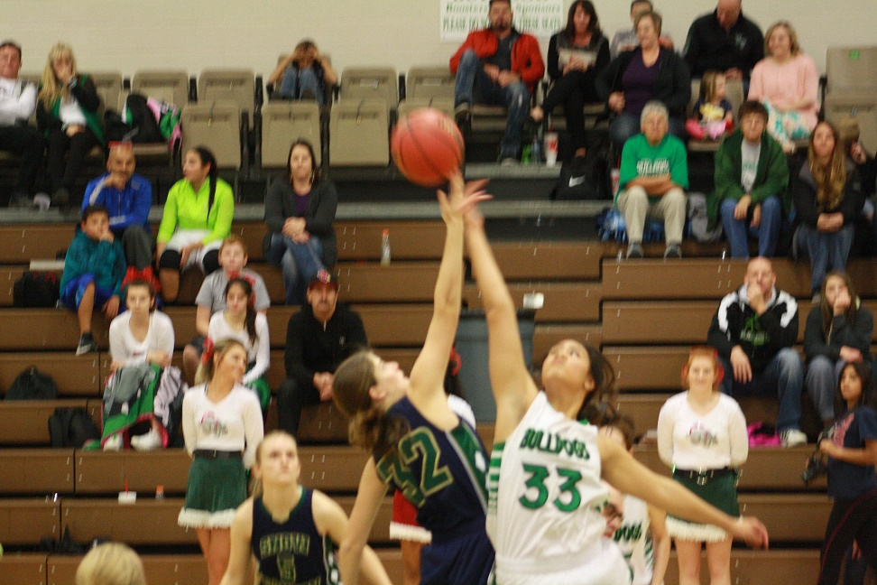 Warriors bomb Lady Dawg hoopsters 60-33
