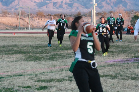 Gridiron Gals hold off Cowboys 21-19