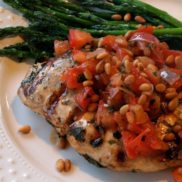 Sun City Gourmet Club: Grilled Chicken With Fresh Herbs & Tomato Compote