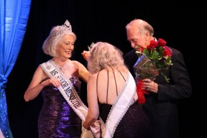 Mayor Al Litman and Ms. Senior Mesquite 2015, Loretta Green, crown the new Ms. Senior Mesquite 2016, Jean Hardman. Photo by Teri Nehrenz.