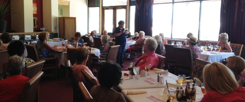 Desert Dames hold monthly luncheon