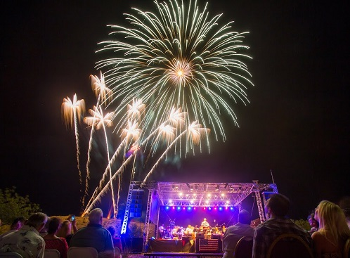 Community invited to free fireworks show