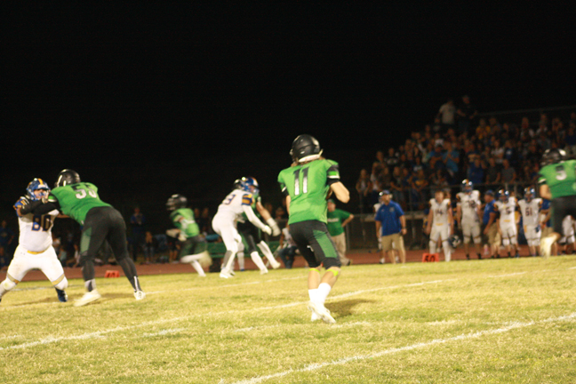 Perkins blocked punt gives Dawgs win over Pirates 14-7