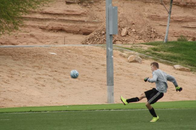 Bulldog soccer teams fall to Roadrunners