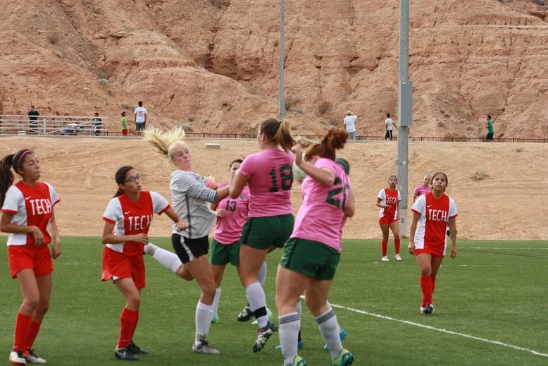 Bulldog soccer gals defeat Del Sol 5-0, tie Tech 1-1