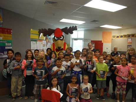 Mesquite Elks Lodge #2811 delivers dictionaries to area schools
