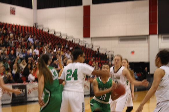 Greenwave roll over Bulldogs 52-40