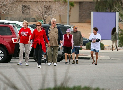 Hundreds walk for heart health