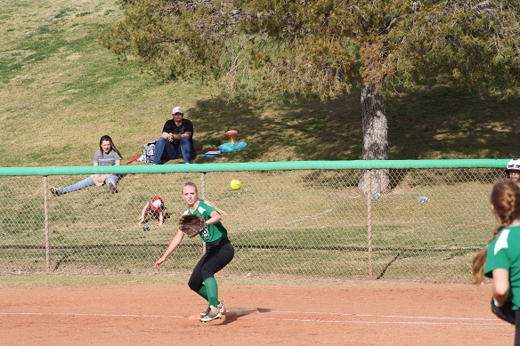 Lady Dogs bury Miners early for 14-3 win