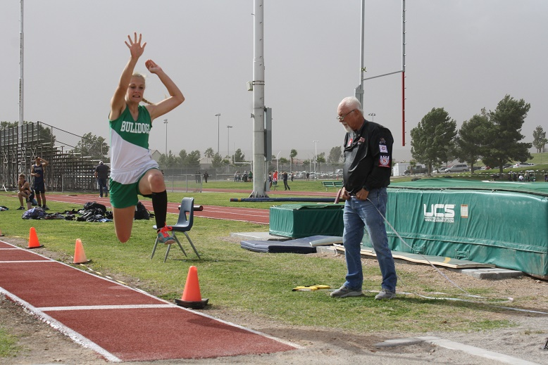 Windstorm shortens Bulldog track tri-meet