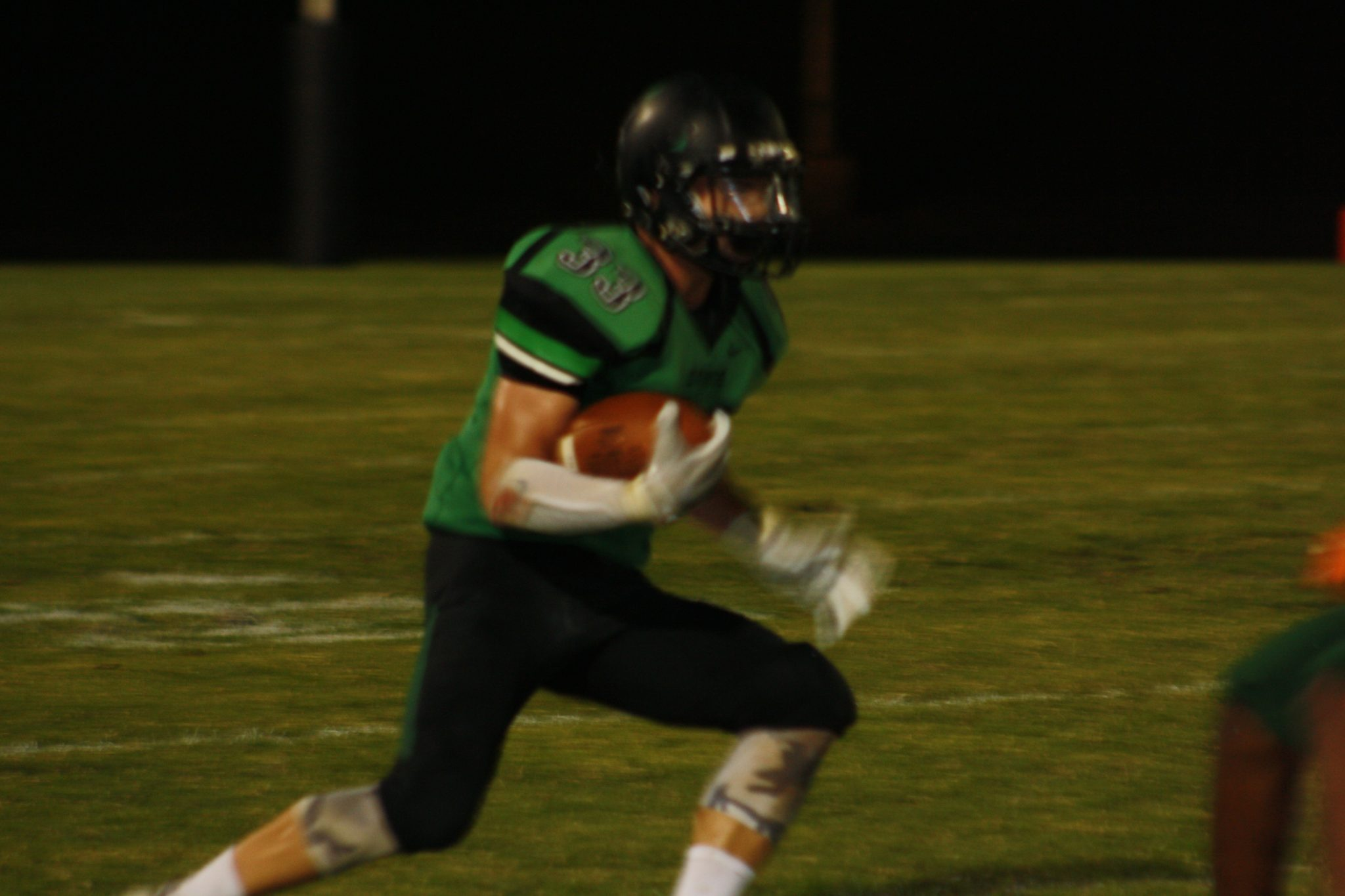 Bulldogs shoot down Eagles 36-12 behind 4 T.D; from Perkins
