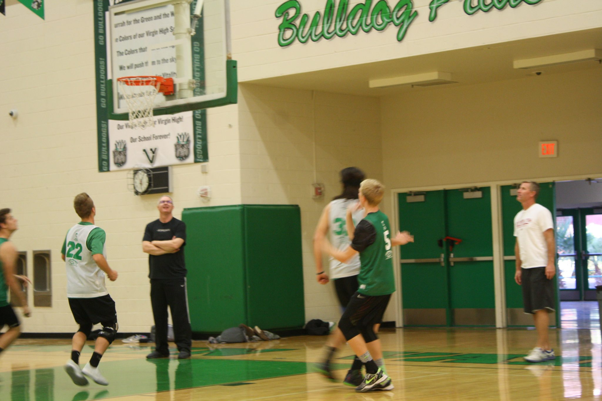 Bulldogs basketball starts anew with coach and players