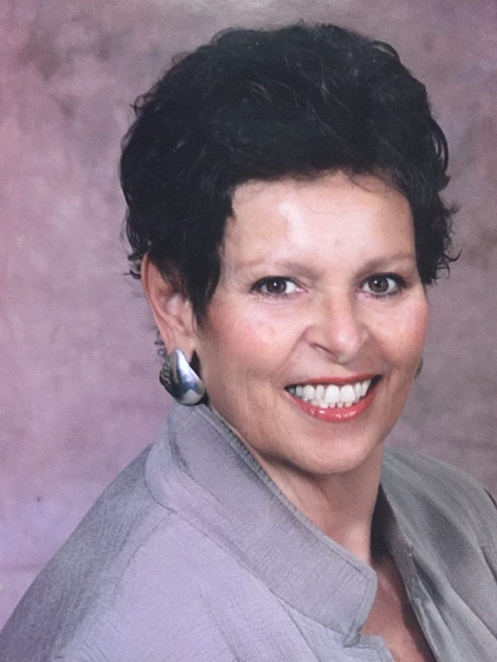 Sue Ross-Obituary