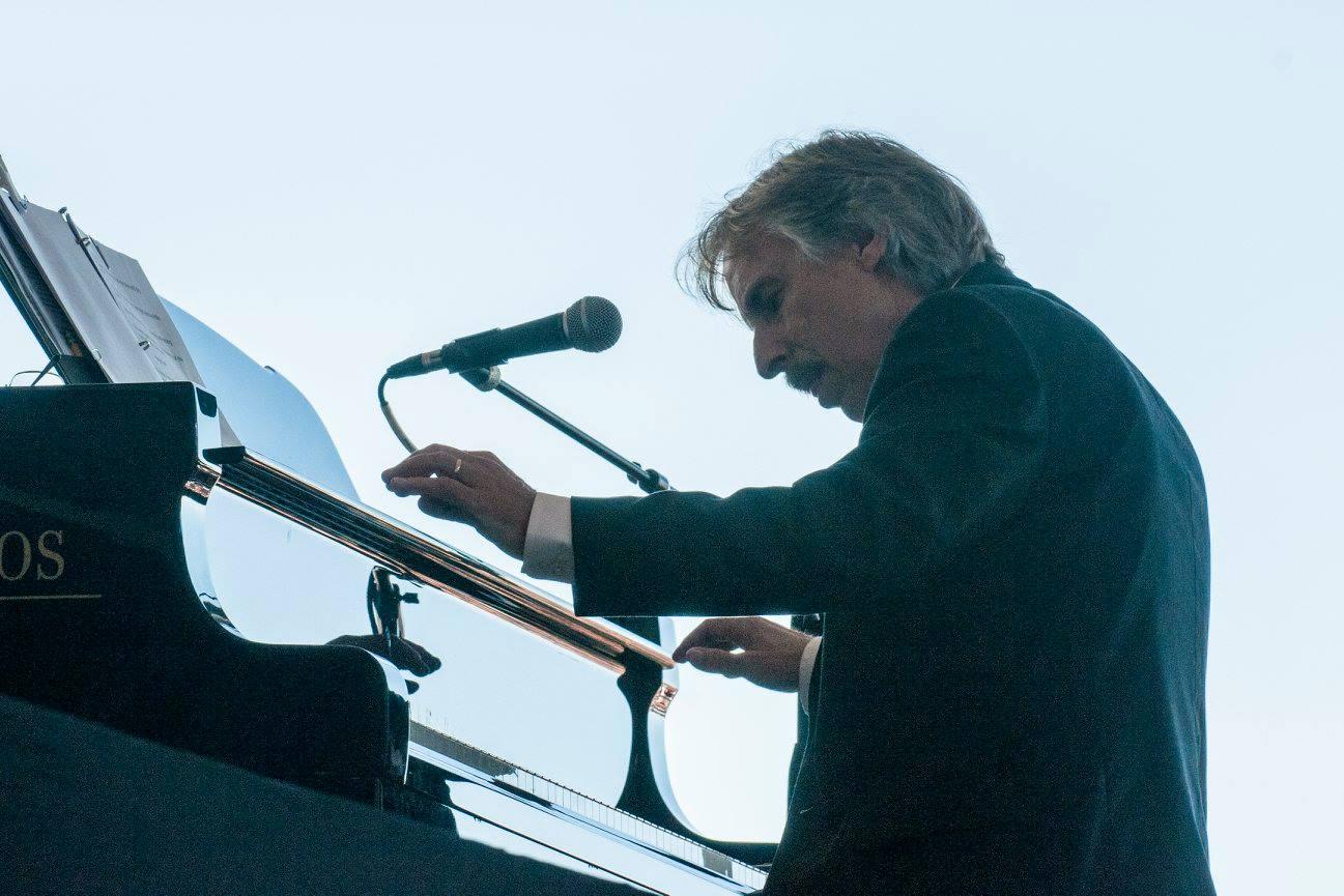 John Nilsen in concert