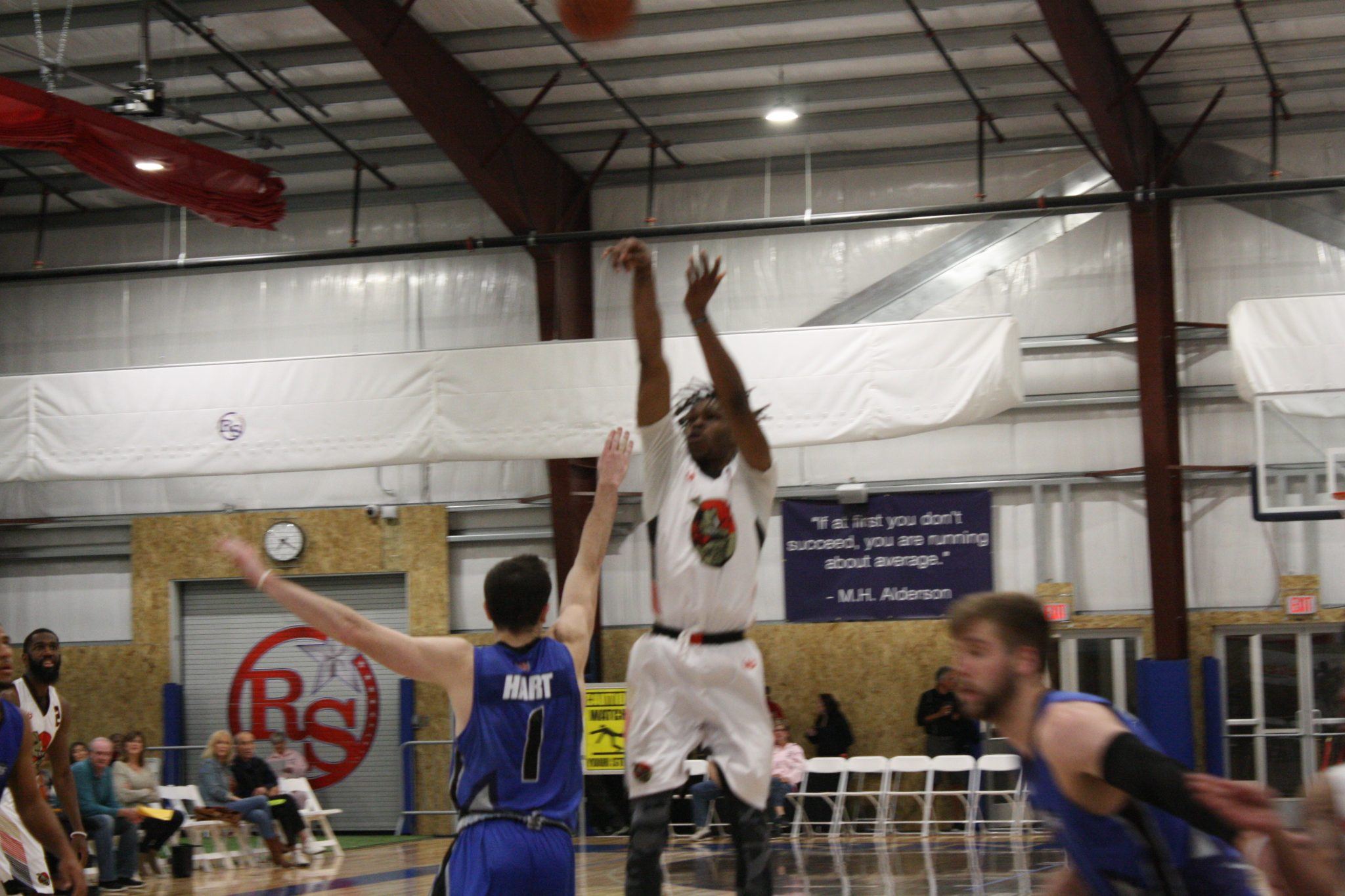 Desert Dogs split series with RazorSharks
