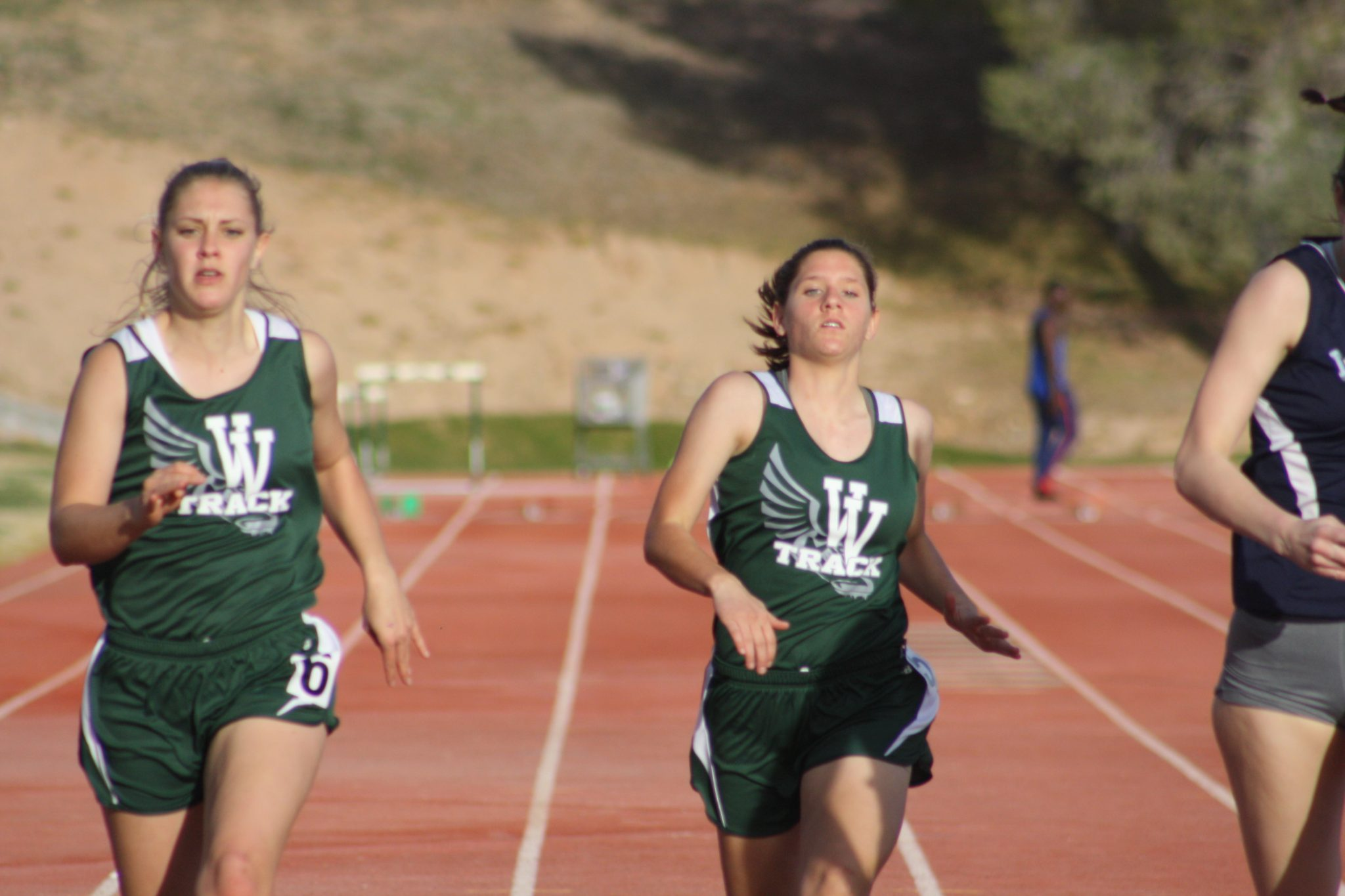 Bulldog's host Early Bird Track and Field Meet Invitational