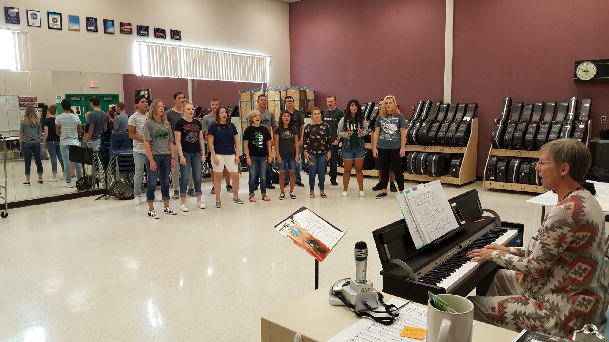 VVHS Show Choir Performs April 12