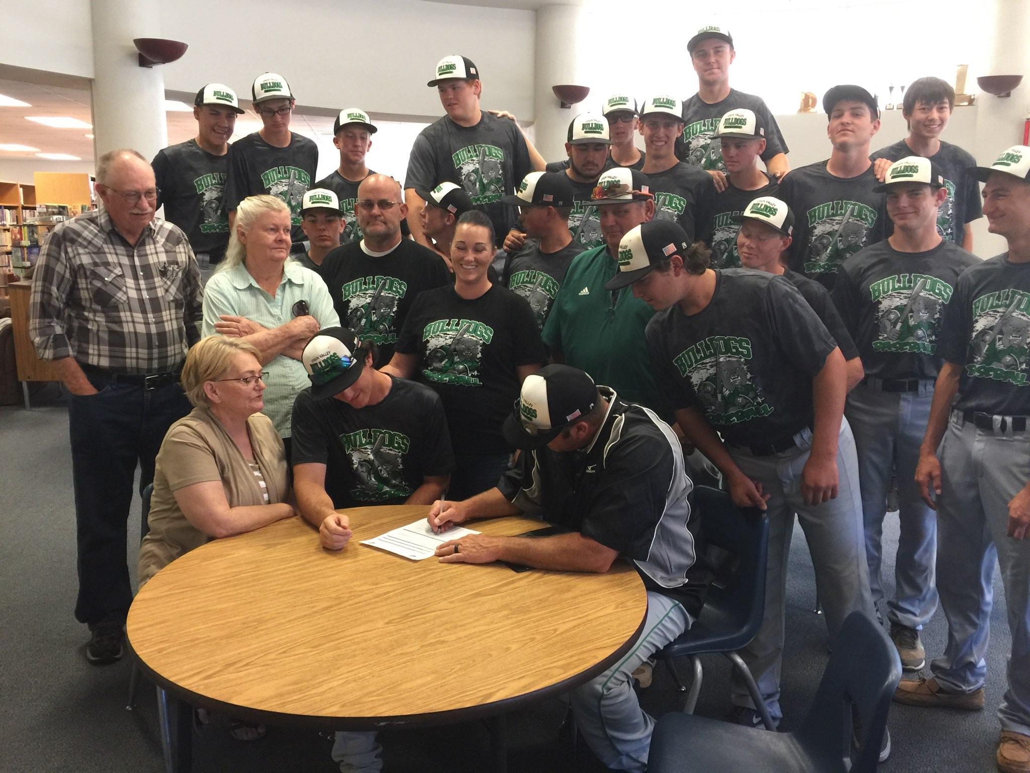 Fuqua signs with Utah State Eastern