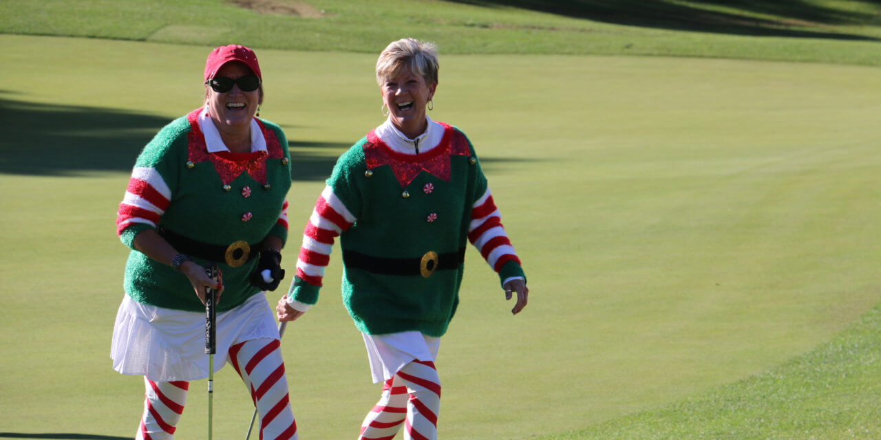 568 Santas hit the links in Mesquite
