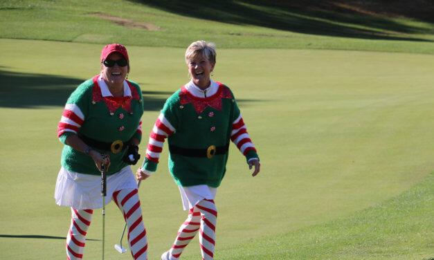 568 Santas hit the links in Mesquite